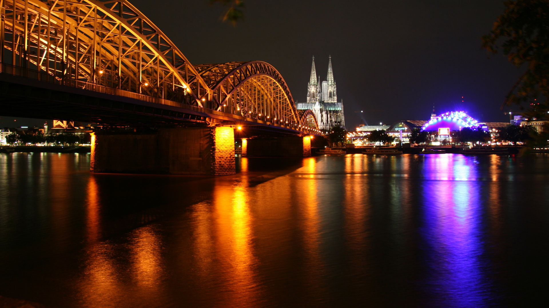 Cologne Central by spacejulien via Flickr